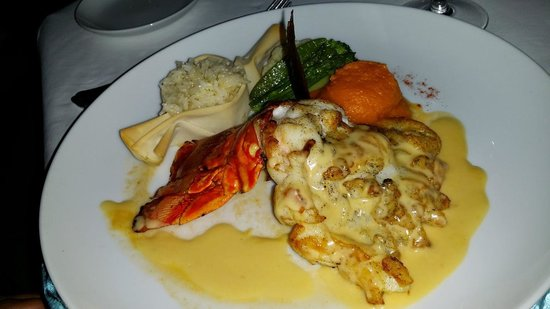 Pavo Real by the Sea: lobster with vanilla sauce, yummy!