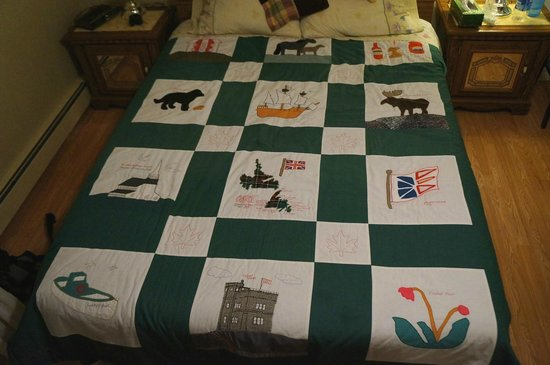 Indian River Brook B&B: Our bedspread