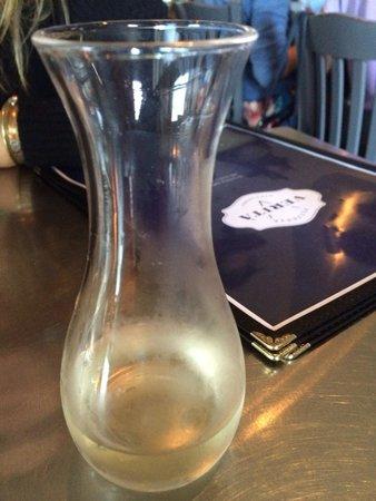 Pizzeria Verita : Wine for my honey
