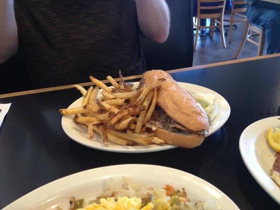 Golden Diner : Philly Cheese steak