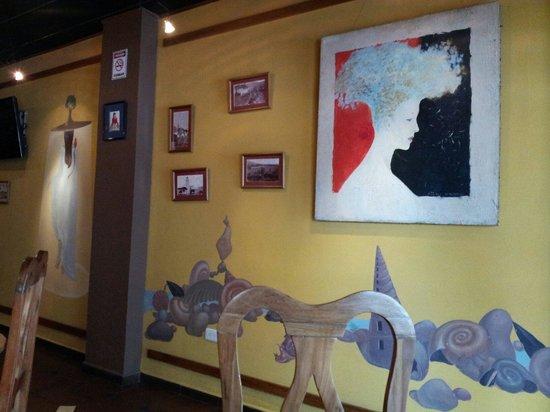 Pared artística en Café de hotel Othello