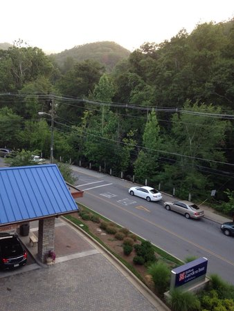 Hilton Garden Inn Gatlinburg Downtown : From room 433. Front of hotel. Big room, great room, nice view.