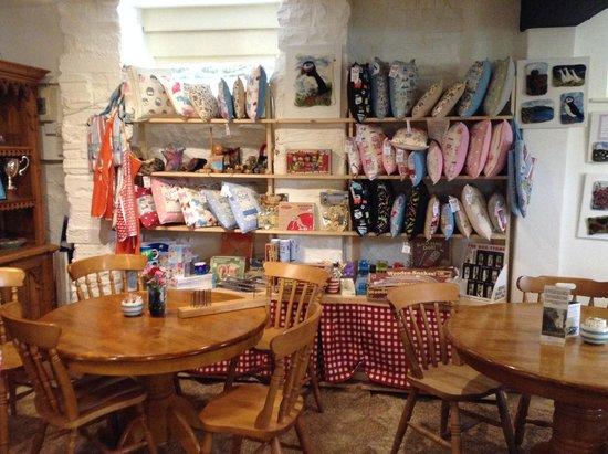 Hele Corn Mill & Tea Room: Shop / tea room