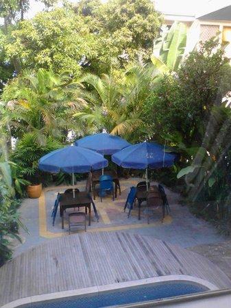 Jardin Azul: patio area.
