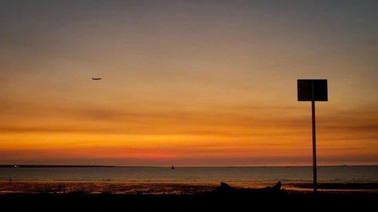 Mindil Beach Sunset 4