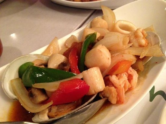Amarin of Thailand: Amarind seafood specialty dish - sort of a Thai bouillabaise - delightful!