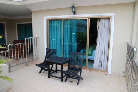 Angkor Holiday Hotel : Room Balcony