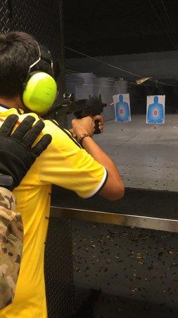 Battlefield Vegas : H and K MP5K Black Ops Package