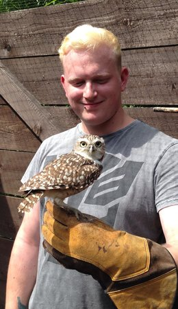Birdworld: Me meeting a burrowing owl