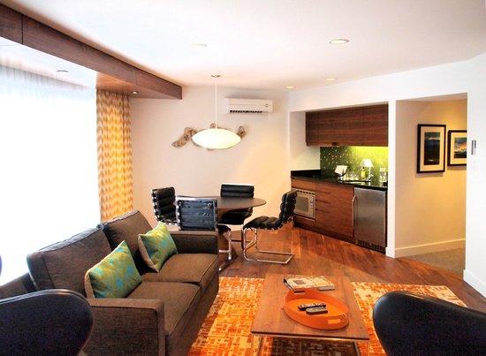 Qualicum Beach Inn: Suite