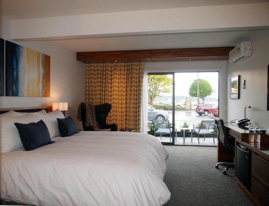 Qualicum Beach Inn: Bright, fresh rooms
