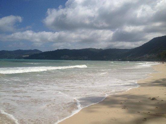 Thara Patong Beach Resort & Spa : The Beach 150 meters away