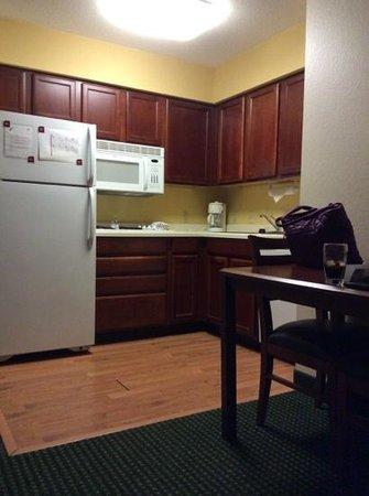Residence Inn Scranton: kitchen in my room.