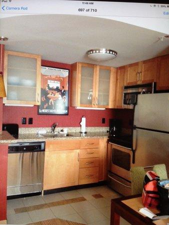 Residence Inn by Marriott Gravenhurst Muskoka Wharf: Kitchen