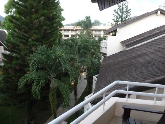Thara Patong Beach Resort & Spa: View out from Balcony