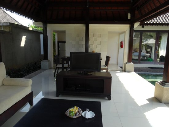 Santi Mandala : Outdoor dining room