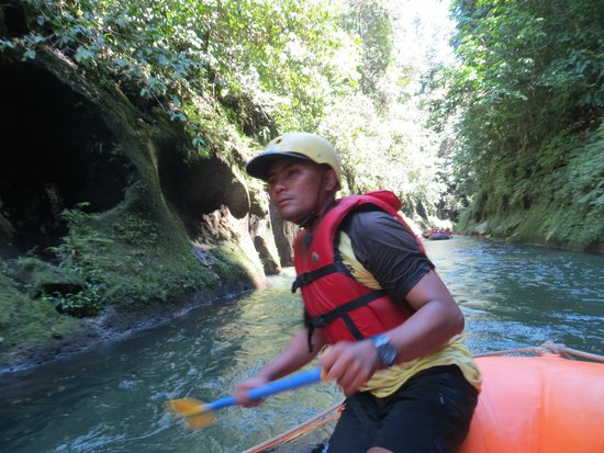 Tebing Tinggi, Indonesia: Teddy, an owner in the company leads us to fun and adventure!