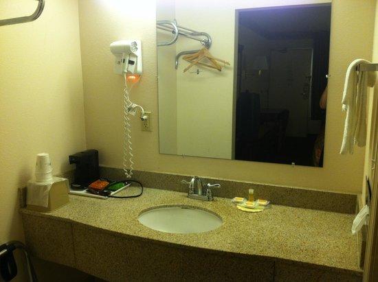 Days Inn Ashland: Bathroom