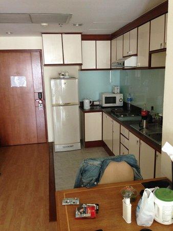 Evergreen Place Bangkok: kitchenette
