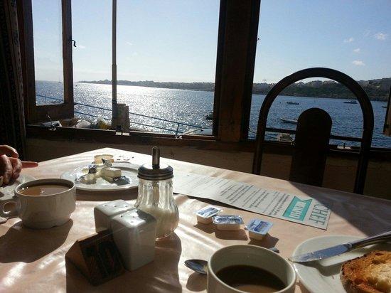 Ambassador Hotel: Breakfast in the chef at ambassador