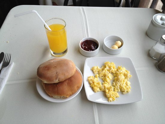 Pirwa Posada del Corregidor: Breakfast at adjoining restaurant