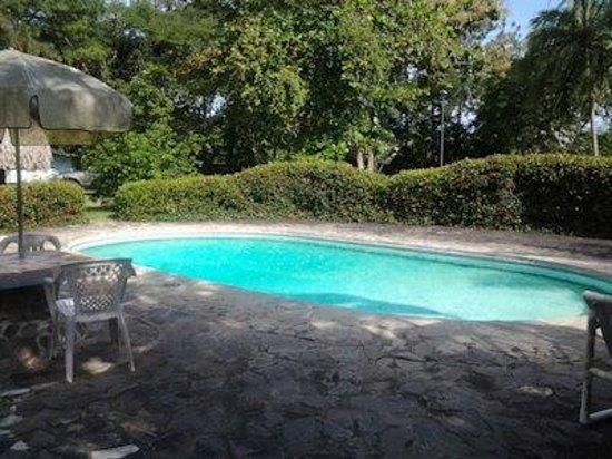 XS Memories: Pool Area