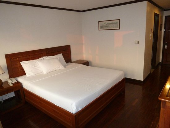 Lao Orchid Hotel: Good bed