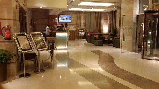 The Royal Riviera Hotel : Reception