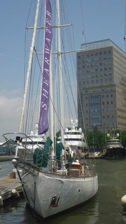 Manhattan by Sail - Shearwater Classic Schooner : The beautiful Shearwater yacht