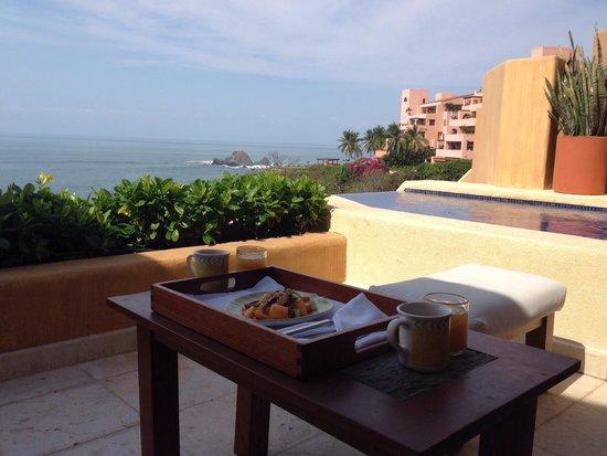 Cala de Mar Resort & Spa Ixtapa: Can't beat this view!