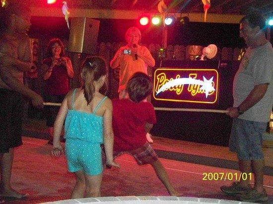 Holiday Trav-L-Park : 2010 pool party