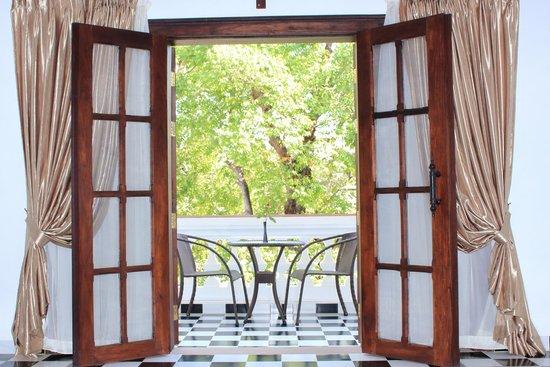 Chateau d'Angkor La Residence: Room Window