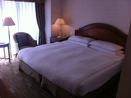 Imperial Hotel Taipei: インペリアルホテル台北:客室(バルコニー付き)