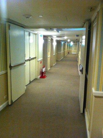 Imperial Hotel Taipei: インペリアルホテル台北:廊下