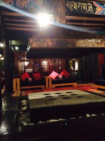 Banyan Tree Ringha: The lobby
