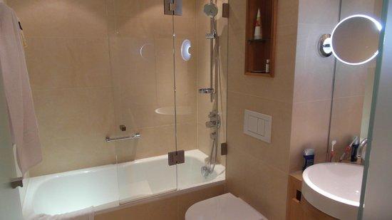 Hotel Maximilian: salle de bains