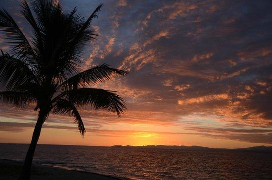 Treasure Island Resort: Sunrise