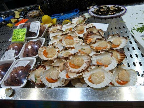La Peonia Boutique B&B: Cagliari Fish Market