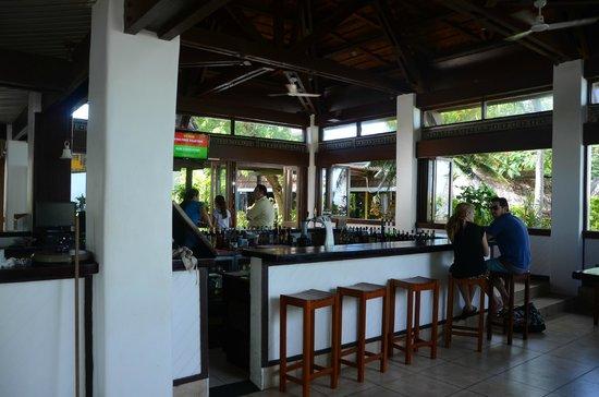 Treasure Island Resort: Bar