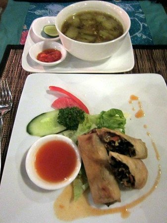 Gedong Sisi Warung: Food tasty and well presented.