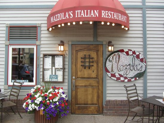 Mazzola's Italian Diner : Outdoor seating