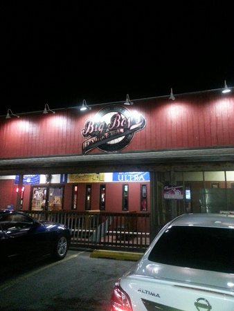 Big Boys Wings and Sports Bar: Great place