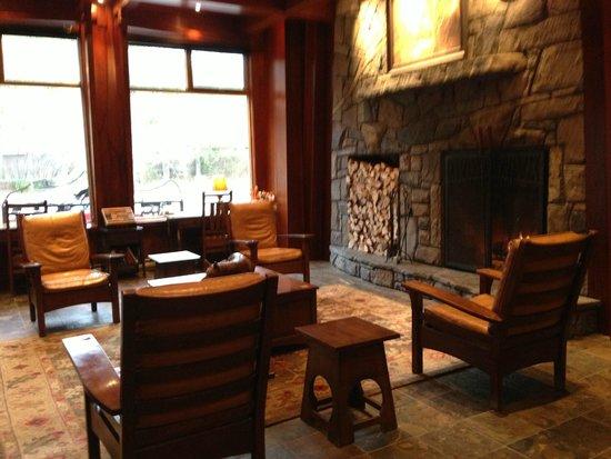 Fox Hotel & Suites: Lobby