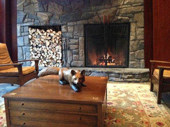 Fox Hotel & Suites : Lobby
