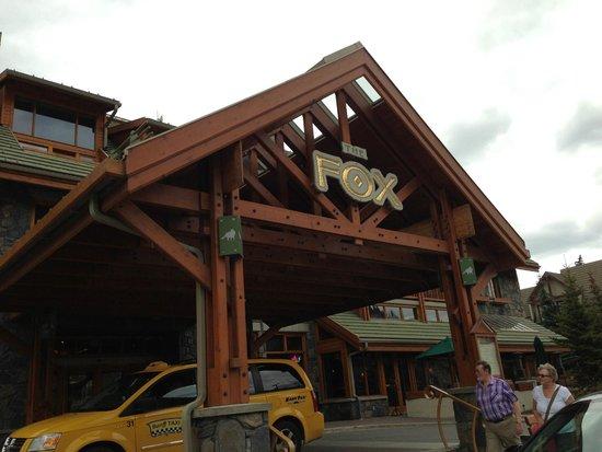 Fox Hotel & Suites: entrance
