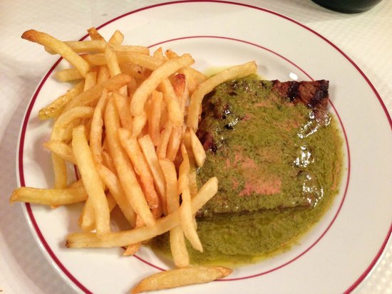 Le Relais de l'Entrecote: Steak and pomme frites, delicious!