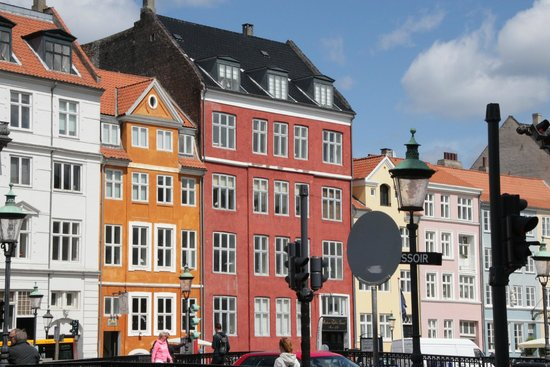 Nyhavn : Very photogentic area for colorful photos