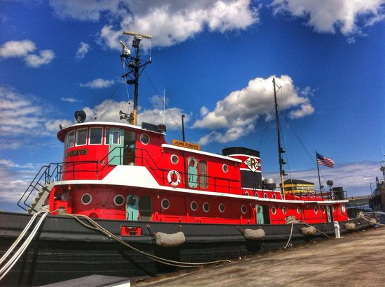 Door County Maritime Museum: The Tug Boat