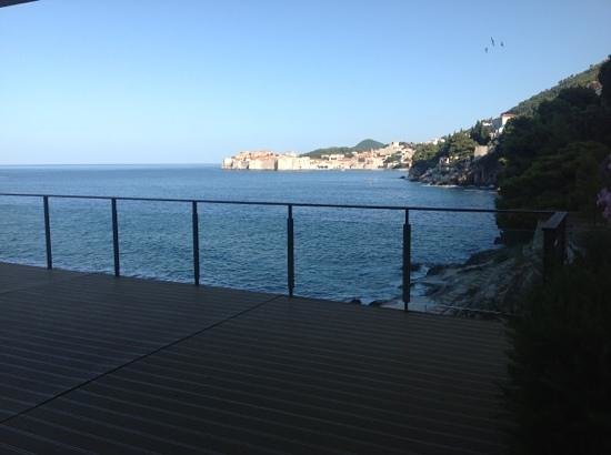 Villa Dubrovnik : great view from my terrace, couldnt enjoy it as i had to share it. the suite wins.