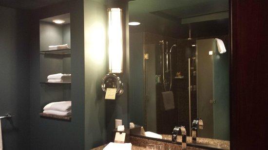 Loews Hotel 1000, Seattle : nice bathroom